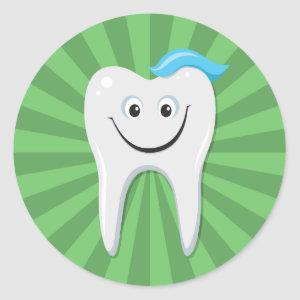 Clean green happy cartoon tooth with tooth paste classic round sticker